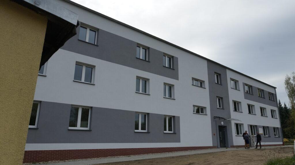 Odnowiony budynek internatu w ZSET w Rakowicach