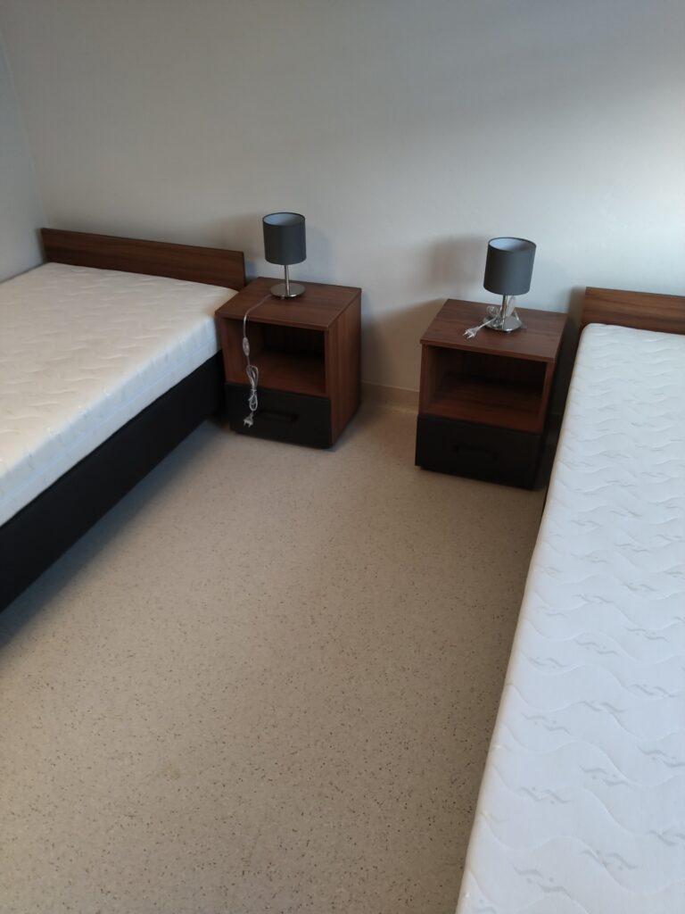 nowe meble do pokojów w internacie w ZSET w Rakowicach Wielkich