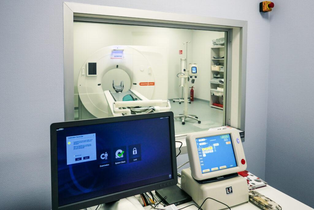 tomograf w szpitalu we Lwówku Śląskim