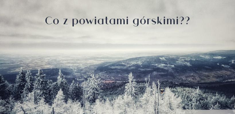 Widok ze Stoku Izerskiego na leżace poniżej gminy.